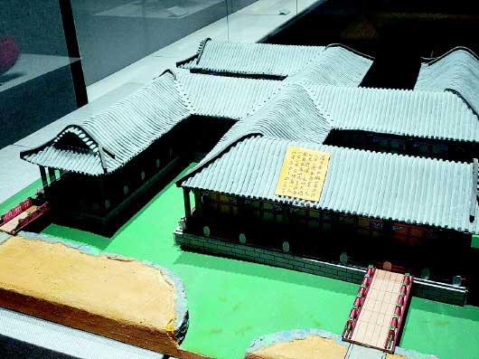 古代皇帝通过建筑模型督导和调整建筑作品